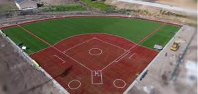 太舞小镇【续】  继FIFA认证足球场后,火炬草又一国际水准垒球场竣工投入使用!